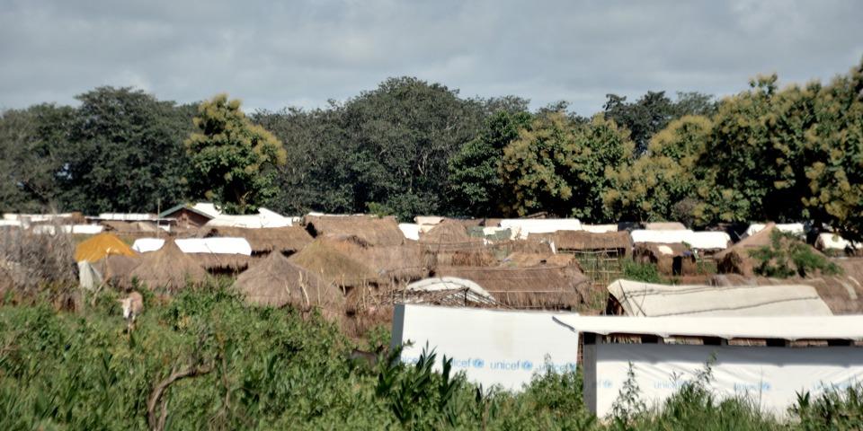 位於班巴利的流離失所者營地。©Elise Mertens/MSF