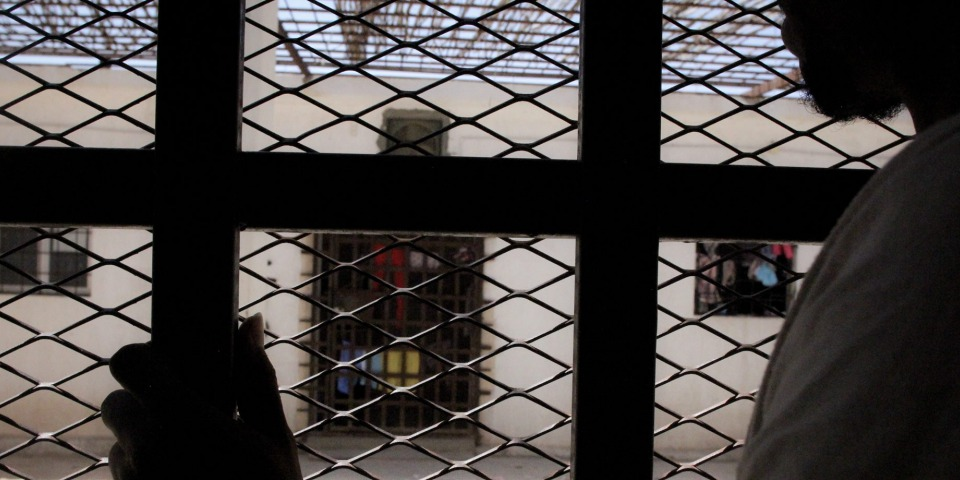 沈船倖存者在拘留中心。© Sara Creta/MSF