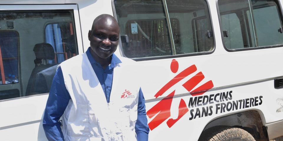南蘇丹動盪不安的局勢令數百萬人淪為難民,戈尼是其中一人。但憑著堅強的信念,他成功由受助者變為給予幫助的人,並加入無國界醫生成為國際救援人員。© MSF/Musa Mahad