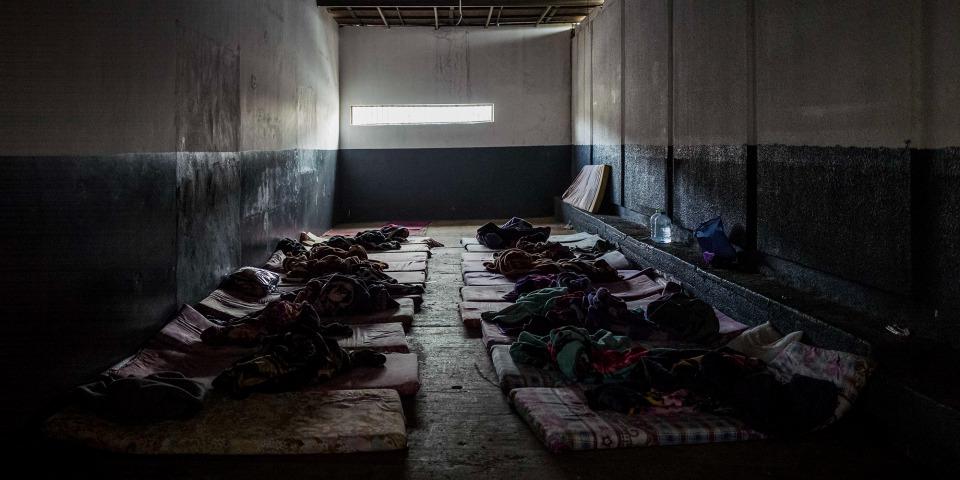 圖為拘留中心內的隔離區。懷疑感染愛滋病病毒、結核病,和其他傳染病的被拘留者會被隔離於這個區域。© Guillaume Binet/Myop