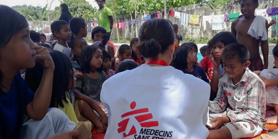在伊利甘市5個非正式的後送營地,無國界醫生有為孩子進行畫畫及遊戲面談,作為心理支援服務的一部分。© MSF