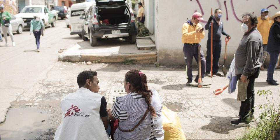 心理團隊正為當地居民提供心理支援 © Jordi Ruiz Cirera