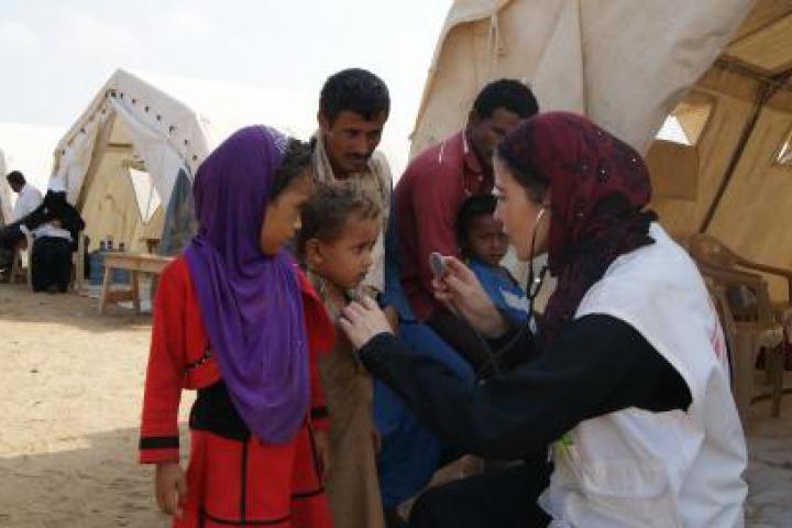 這些流動診所提供門診服務予流離失所者及當地社區,包括定期診察、緊急轉介、產前護理及精神健康服務。© MSF