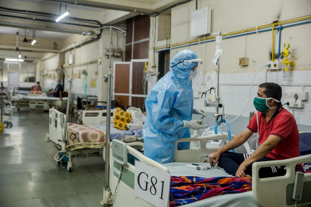 india-doctor-talk-to-patient.jpg