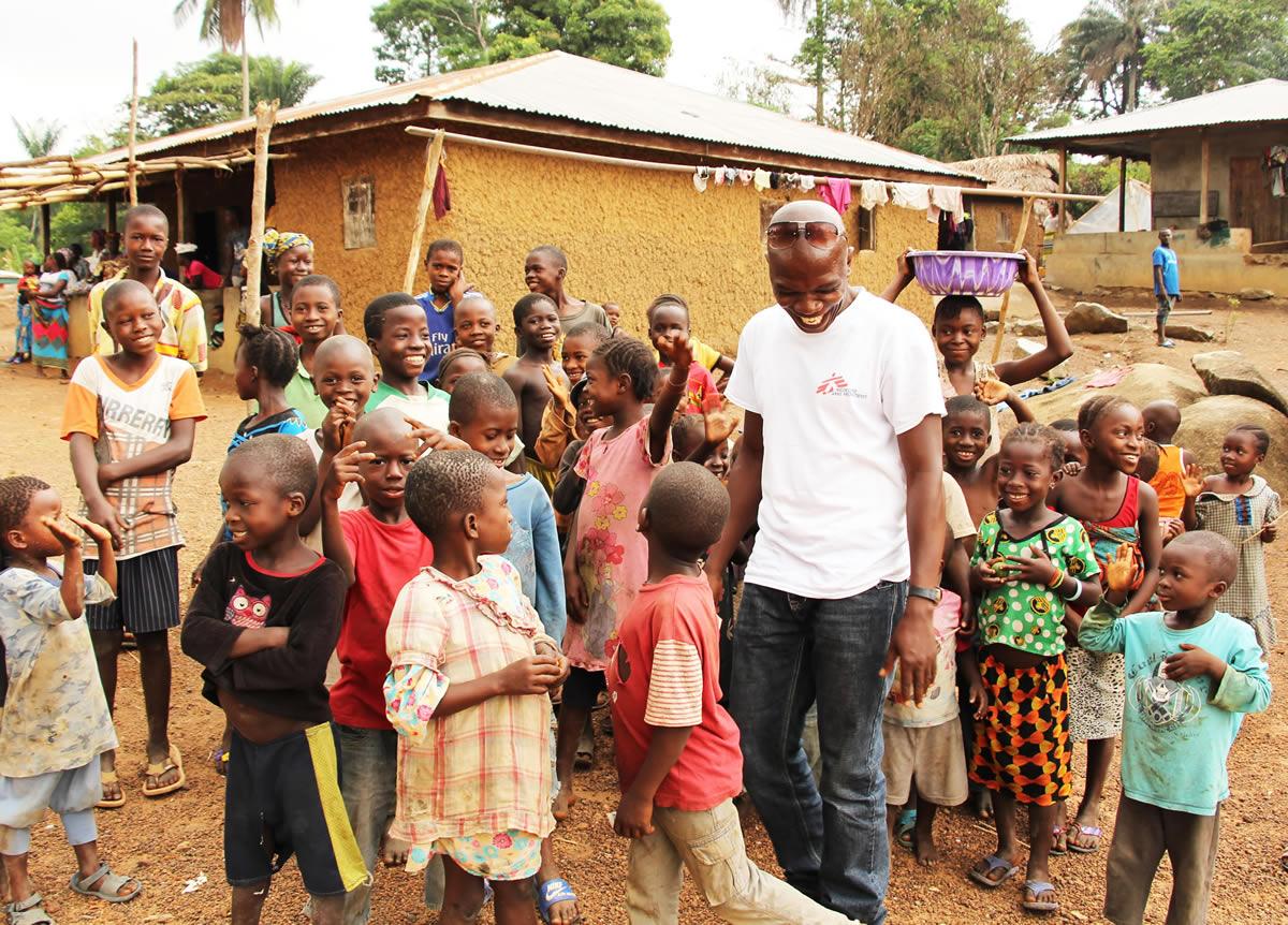 sierra-leone-health-promoter-tamba-children-warm-welcome.jpg