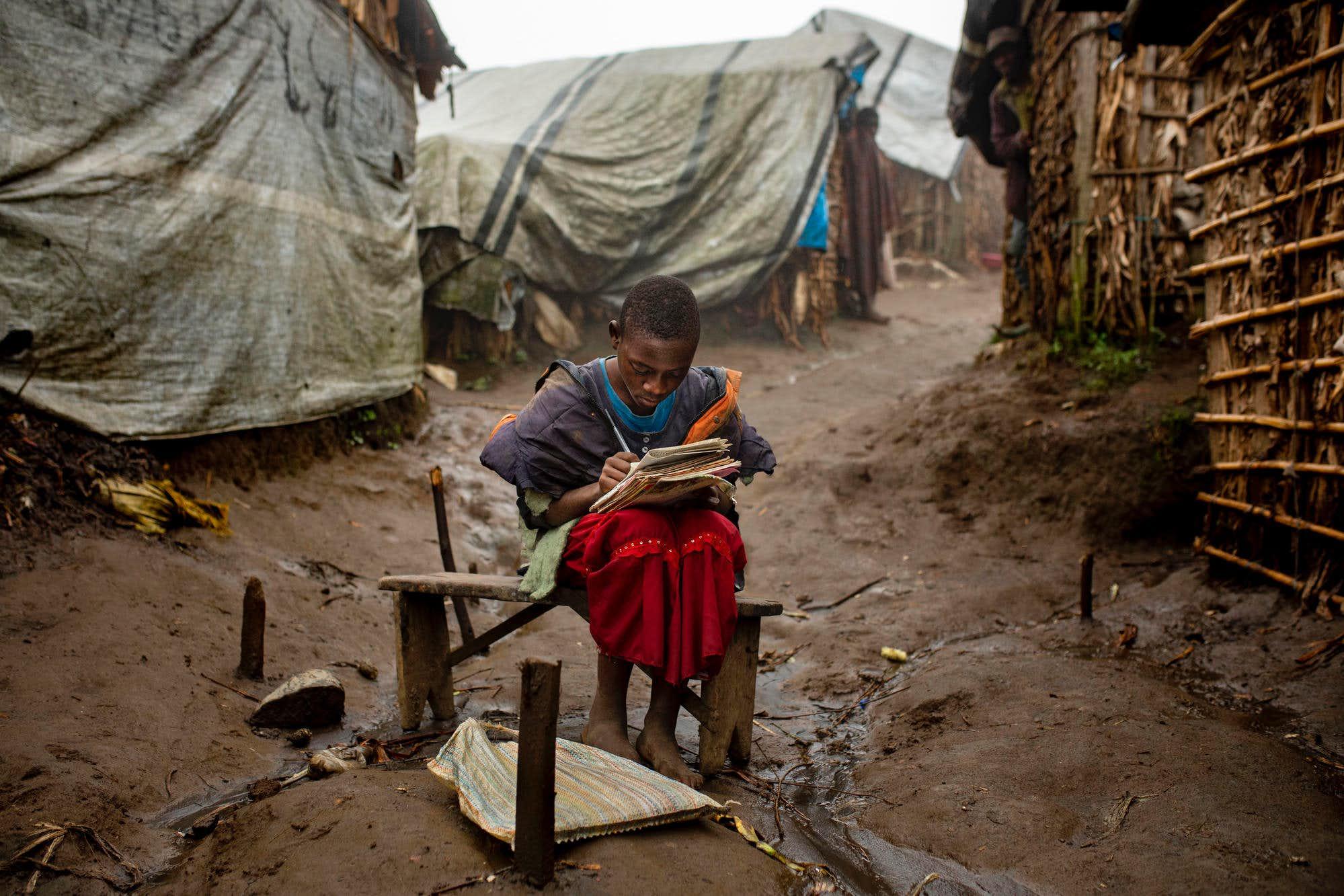 year-2019-10-DRC-displaced-camp-girl.jpg